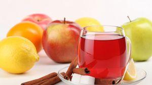 Превью обои блюдце, чашка, сахар, корица, ломтик, лимон, яблоки, напиток, отражение