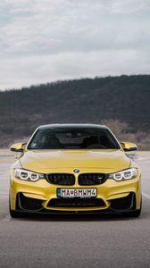 Превью обои bmw, машина, вид спереди, желтый