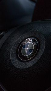 Превью обои bmw, руль, логотип