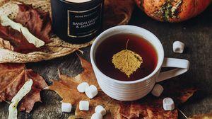 Превью обои чай, чашка, свеча, осень, листья, уют