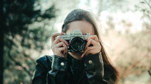 Превью обои девушка, фотоаппарат, объектив, фотограф, фото