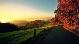 Превью обои дорога, движение, осень, поворот