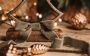 Превью обои елка, украшение, шишки, новый год, рождество