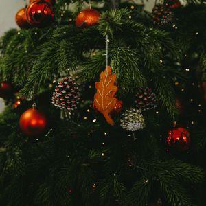 Превью обои елка, украшения, новый год, рождество, праздник