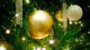 Превью обои елочные игрушки, елка, гирлянда, праздник, новый год