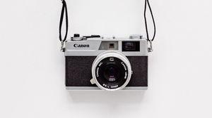 Превью обои фотоаппарат, чб, минимализм