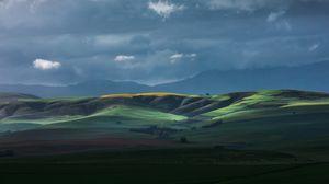Превью обои горизонт, поле, холмы, небо, облака