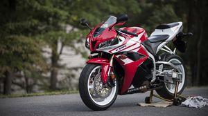 Превью обои honda, мотоцикл, байк, красный, асфальт