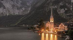 Превью обои храм, горы, озеро, освещение, гальштат, австрия