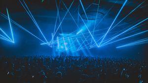 Превью обои концерт, толпа, люди, свет, лазер, вечеринка