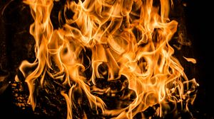 Превью обои костер, огонь, дрова, пламя, горение