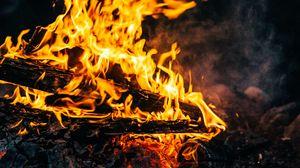 Превью обои костер, огонь, пламя, дрова, угли, зола