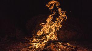 Превью обои костер, огонь, пламя, зола, дрова
