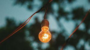 Превью обои лампа, электричество, свет, провода, размытость