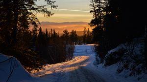 Превью обои лес, зима, закат, дорога, деревья, небо