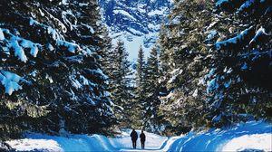 Превью обои люди, зима, горы, лес, снег