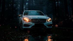 Превью обои mercedes, автомобиль, белый, вид спереди, лес