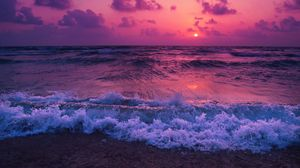 Превью обои море, закат, горизонт, прибой, пена, облака