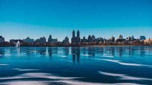 Превью обои нью-йорк, сша, город, панорама, река, лед, берег