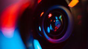 Превью обои объектив, фотоаппарат, блики, размытость, разноцветный