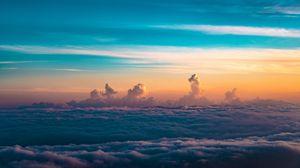 Превью обои облака, небо, горизонт, высота, густой