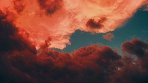 Превью обои облака, темный, красный, небо, сумерки