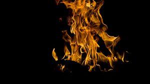 Превью обои огонь, костер, пламя, горит, ночь, темно