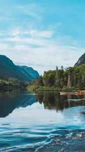 Превью обои озеро, лес, горы, пейзаж, берег, деревья