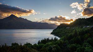 Превью обои озеро, закат, деревья, горы, уакатипу, новая зеландия