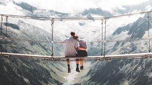 Превью обои пара, объятия, любовь, мост, высота