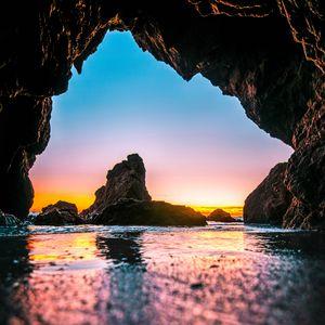 Превью обои пещера, прилив, камни, море