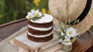 Превью обои пирожное, десерт, жасмин, цветы, шляпа, натюрморт