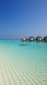 Превью обои пляж, океан, песок, пальмы, бунгало