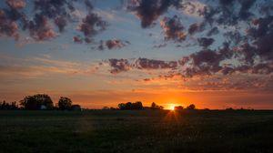 Превью обои рассвет, горизонт, поле, облака, утро, трава, небо
