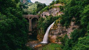 Превью обои водопад, обрыв, течение, деревья, мост