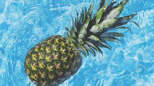 Превью обои ананас, вода, фрукт