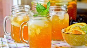 Превью обои апельсины, банка, сок, цитрус