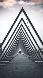 Превью обои архитектура, треугольник, строение, люди, геометрический