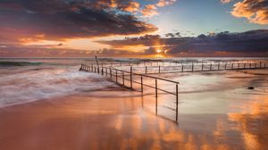 Превью обои австралия, берег, океан, песок, ограждение, волны