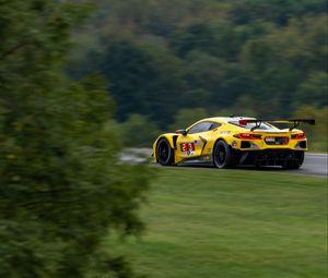 Превью обои автомобиль, спорткар, желтый, тюнинг, скорость