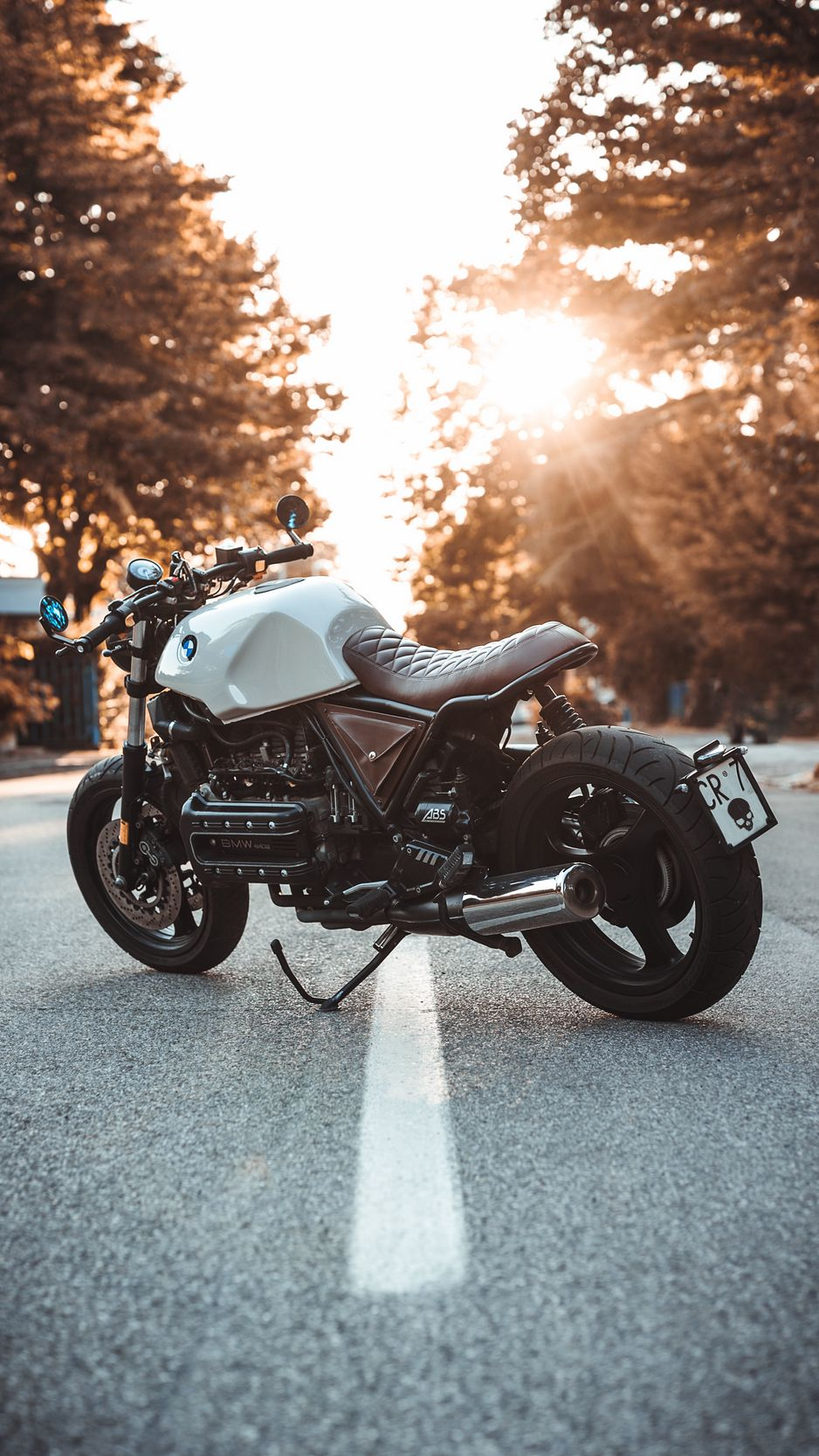938x1668 Обои bmw k100, мотоцикл, байк, вид сбоку