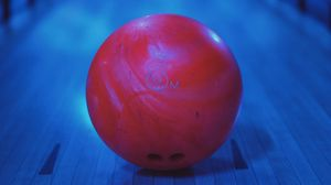 Превью обои боулинг, шар, красный, круглый