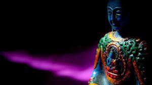 Превью обои будда, буддизм, медитация, статуэтка, скульптура, тени, темный