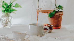 Превью обои чай, кружка, кувшин, рука, напиток
