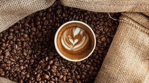 Превью обои чашка, кофе, кофейные зерна, мешок