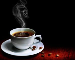 Превью обои чашка, кофе, пар, горячий, зерна, стол
