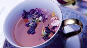 Превью обои чай, напиток, цветы, чашка