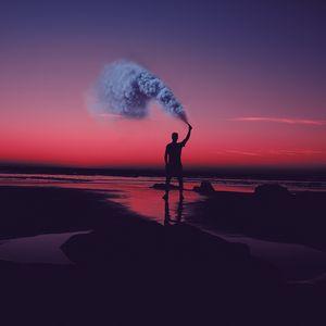 Превью обои человек, силуэт, дым, берег, закат, море, асила, марокко