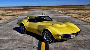 Превью обои chevrolet, corvette, 1969, желтый