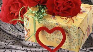 Превью обои день святого валентина, сердце, гвоздики, подарок